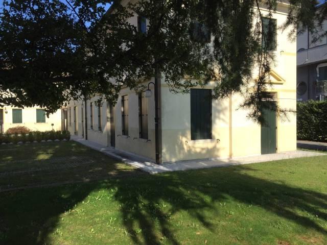 Ufficio / Studio in affitto a Montebelluna, 3 locali, prezzo € 600 | Cambio Casa.it