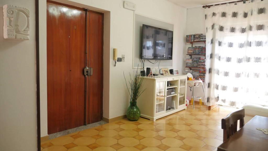 Appartamento da ristrutturare in vendita Rif. 8327470