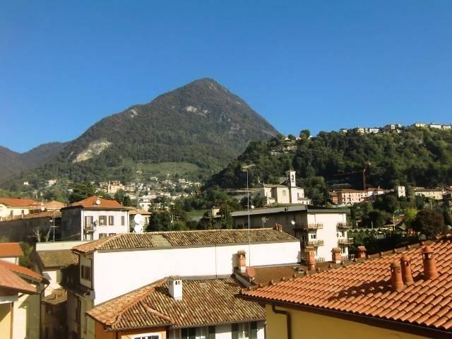 Appartamento in vendita a Ponte Lambro, 4 locali, prezzo € 137.000 | CambioCasa.it