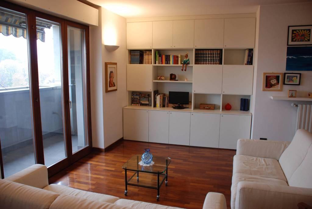 Appartamento in vendita a Abbiategrasso, 5 locali, prezzo € 265.000   CambioCasa.it