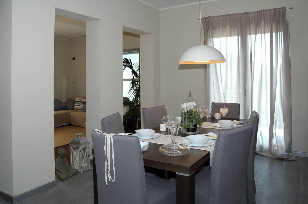 Villa in vendita a Massalengo, 7 locali, prezzo € 350.000 | CambioCasa.it