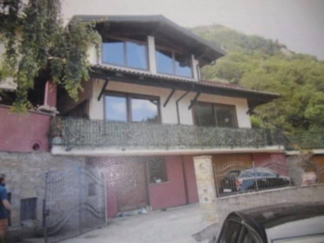Villa in vendita a Pinasca, 6 locali, prezzo € 78.000   CambioCasa.it