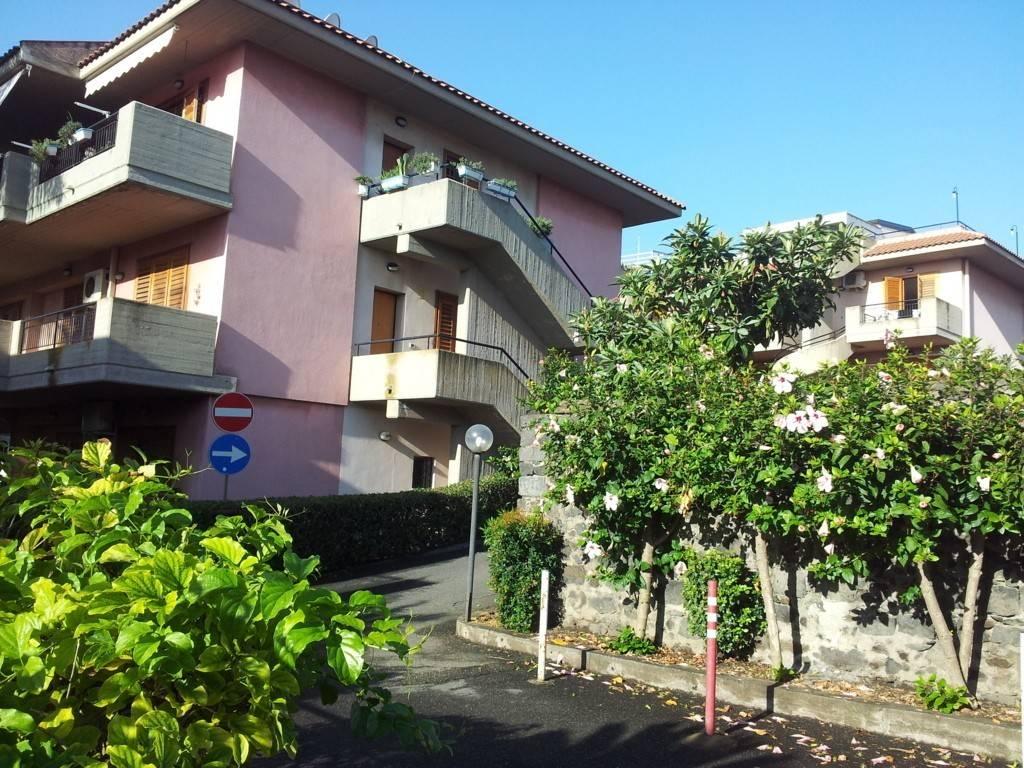 Appartamento bilocale in affitto a Acireale (CT)