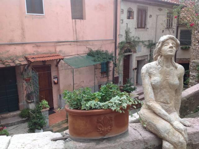 Trilocale nel centro storico di Sassetta