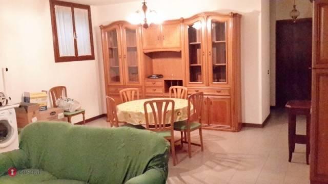 Appartamento in buone condizioni in vendita Rif. 4456333