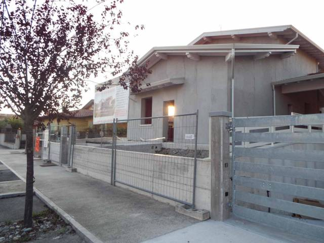Villa in vendita a Ghedi, 4 locali, prezzo € 190.000 | Cambio Casa.it