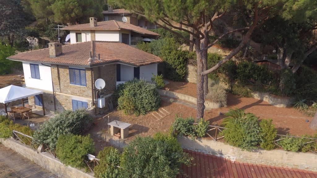Villa in buone condizioni parzialmente arredato in vendita Rif. 8288205