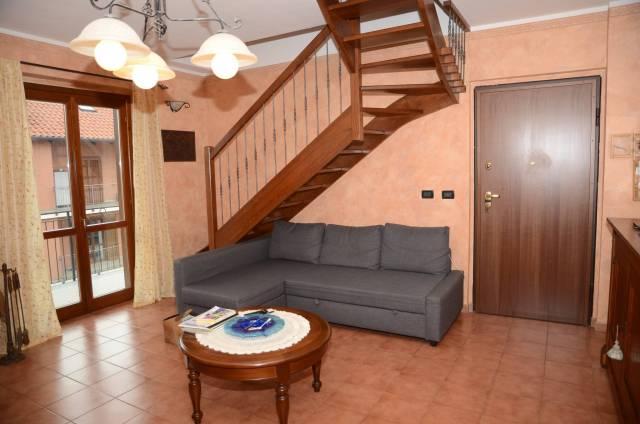 Appartamento in ottime condizioni in vendita Rif. 6475824