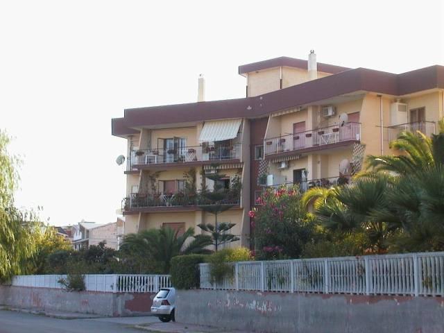 Appartamento in vendita a Monasterace, 4 locali, prezzo € 110.000 | CambioCasa.it