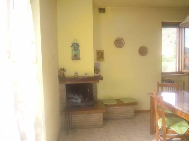 Appartamento in buone condizioni in vendita Rif. 4188685