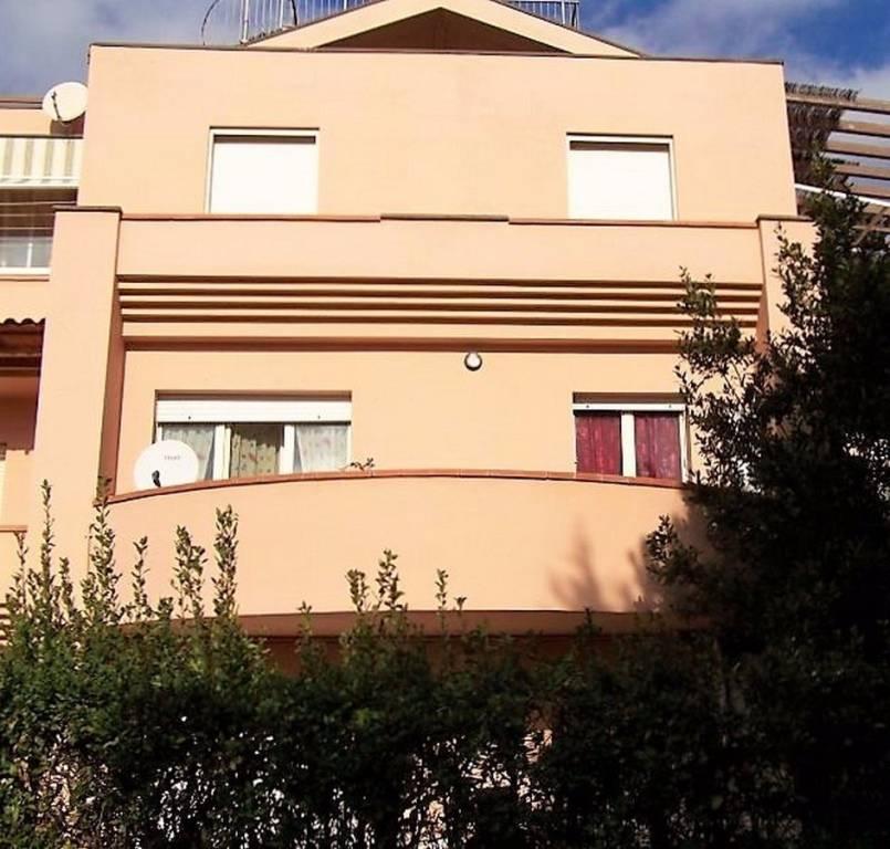 Appartamento parzialmente arredato in vendita Rif. 8818479