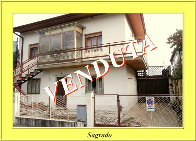Rustico / Casale in buone condizioni in vendita Rif. 4950207