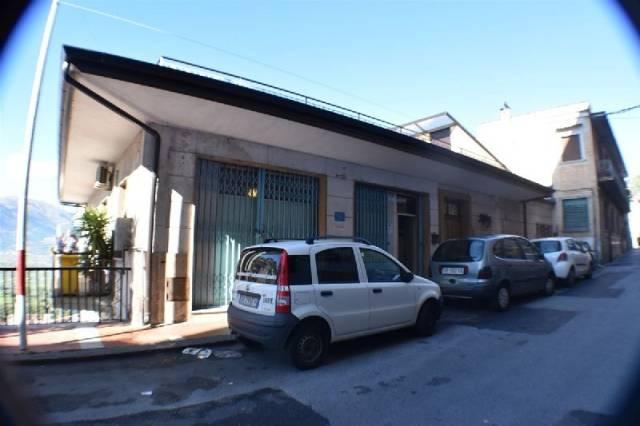Appartamento in buone condizioni in vendita Rif. 4943007