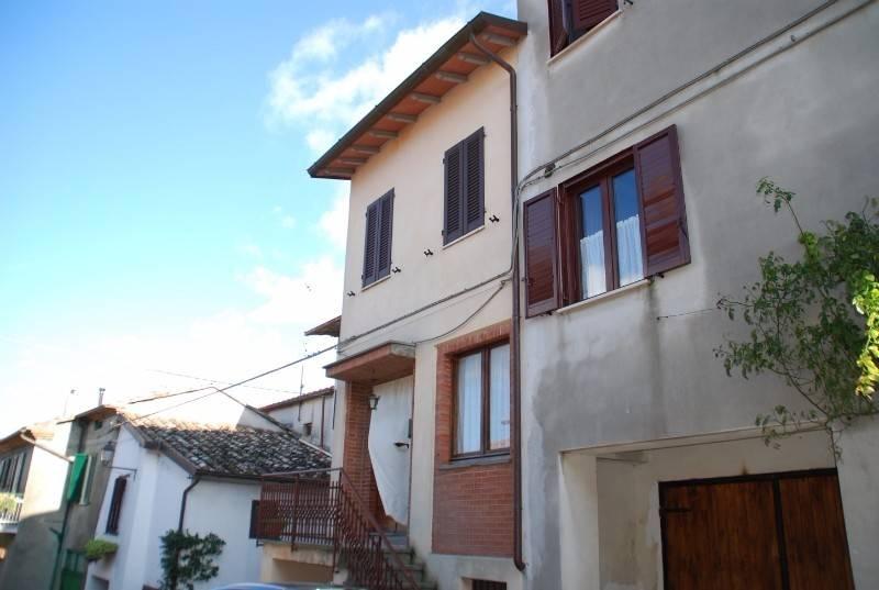 Casa indipendente in Vendita a Panicale Periferia: 5 locali, 100 mq