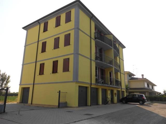 Appartamento in ottime condizioni parzialmente arredato in vendita Rif. 4899992