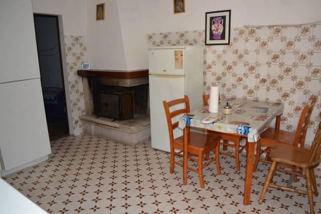 Castelplanio Stazione appartamento con terreno 85000