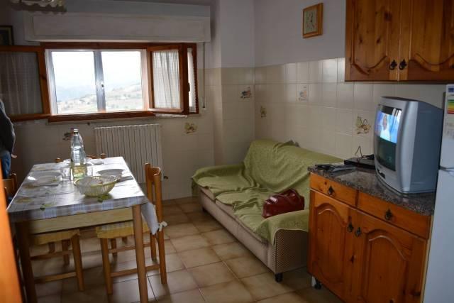 Appartamento in buone condizioni arredato in vendita Rif. 4343918