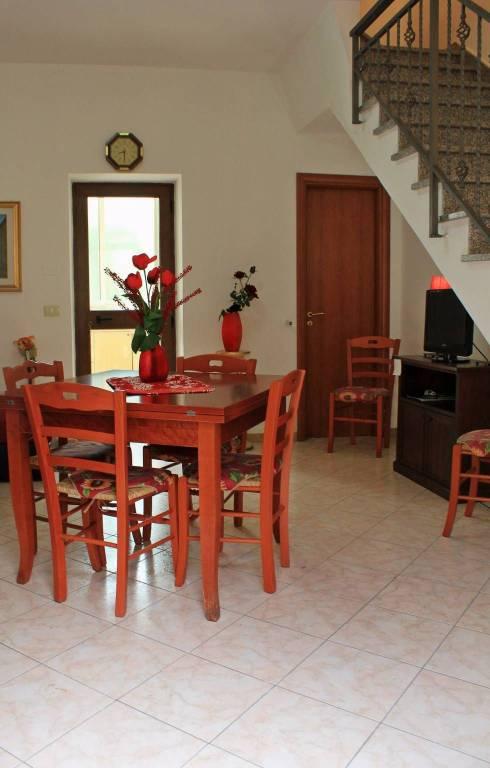 Villa in buone condizioni arredato in vendita Rif. 4573146
