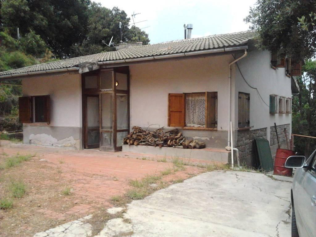 Villa in Vendita a Isnello Periferia: 5 locali, 180 mq