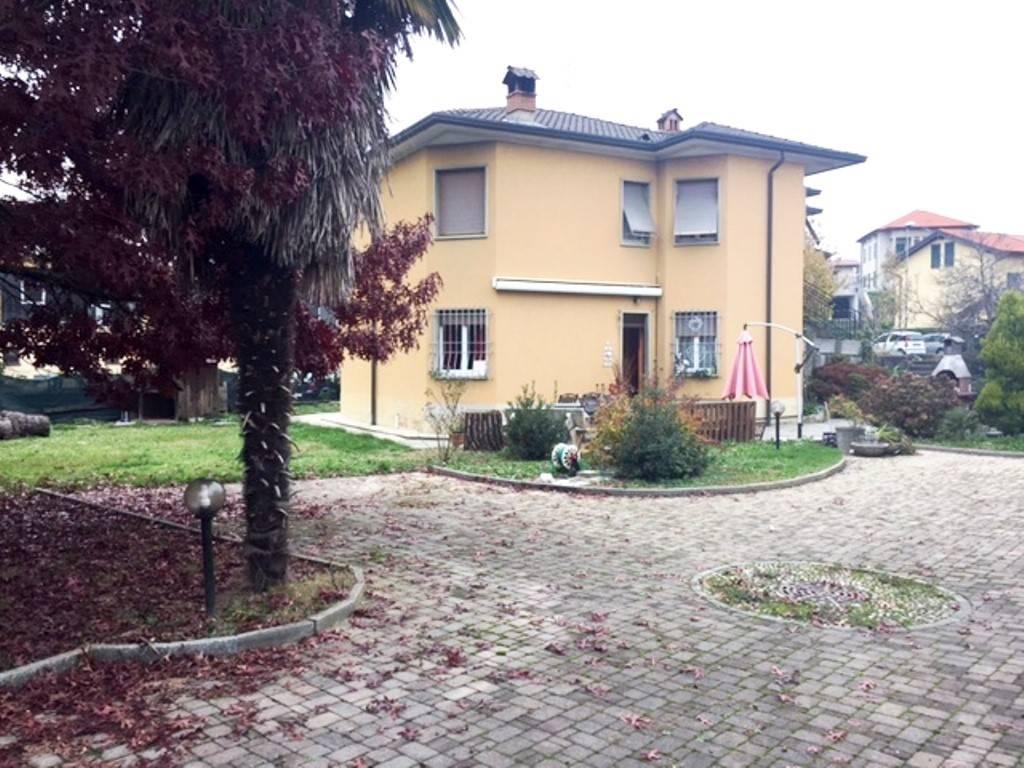 Villa in vendita a Alzate Brianza, 6 locali, prezzo € 385.000 | PortaleAgenzieImmobiliari.it