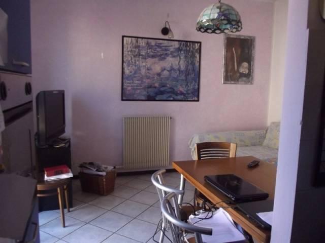 Appartamento in Vendita a Cadeo Centro: 4 locali, 109 mq