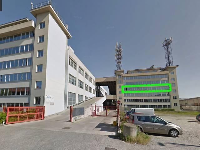 Capannone in vendita a Torino, 6 locali, zona Zona: 12 . Barca-Bertolla, Falchera, Barriera Milano, Corso Regio Parco, Rebaudengo, prezzo € 190.000 | CambioCasa.it