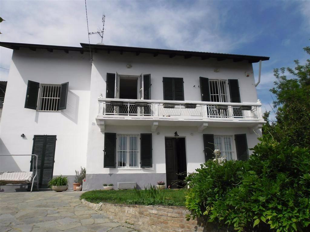 Rustico / Casale in vendita a Castelnuovo Belbo, 4 locali, prezzo € 123.000 | CambioCasa.it