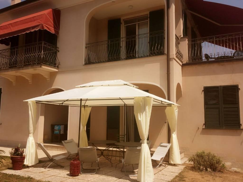 Villa in vendita a Dolceacqua, 12 locali, prezzo € 690.000 | PortaleAgenzieImmobiliari.it