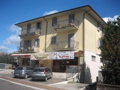 Appartamento in buone condizioni arredato in vendita Rif. 4831945