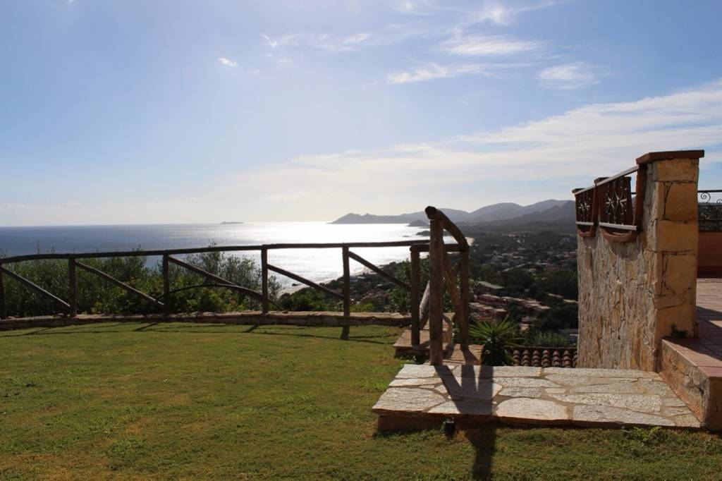 Villa in ottime condizioni parzialmente arredato in vendita Rif. 4582946