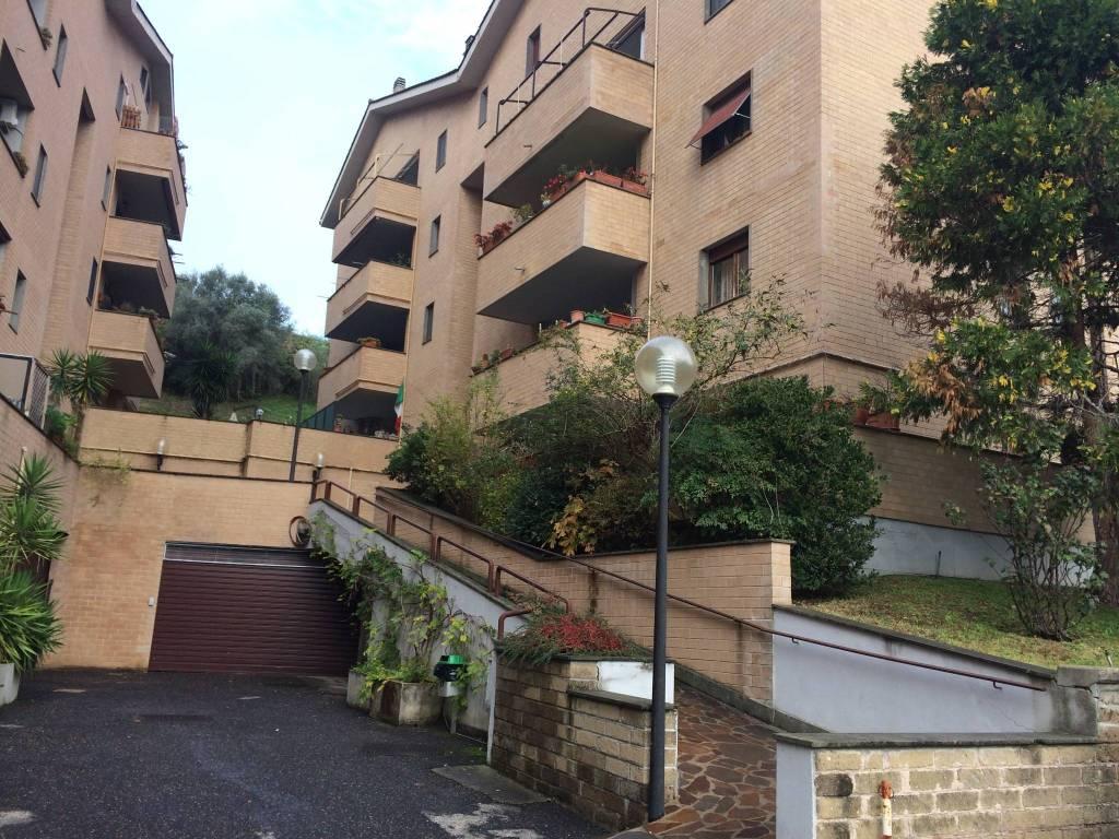 Appartamento in buone condizioni in vendita Rif. 7970504