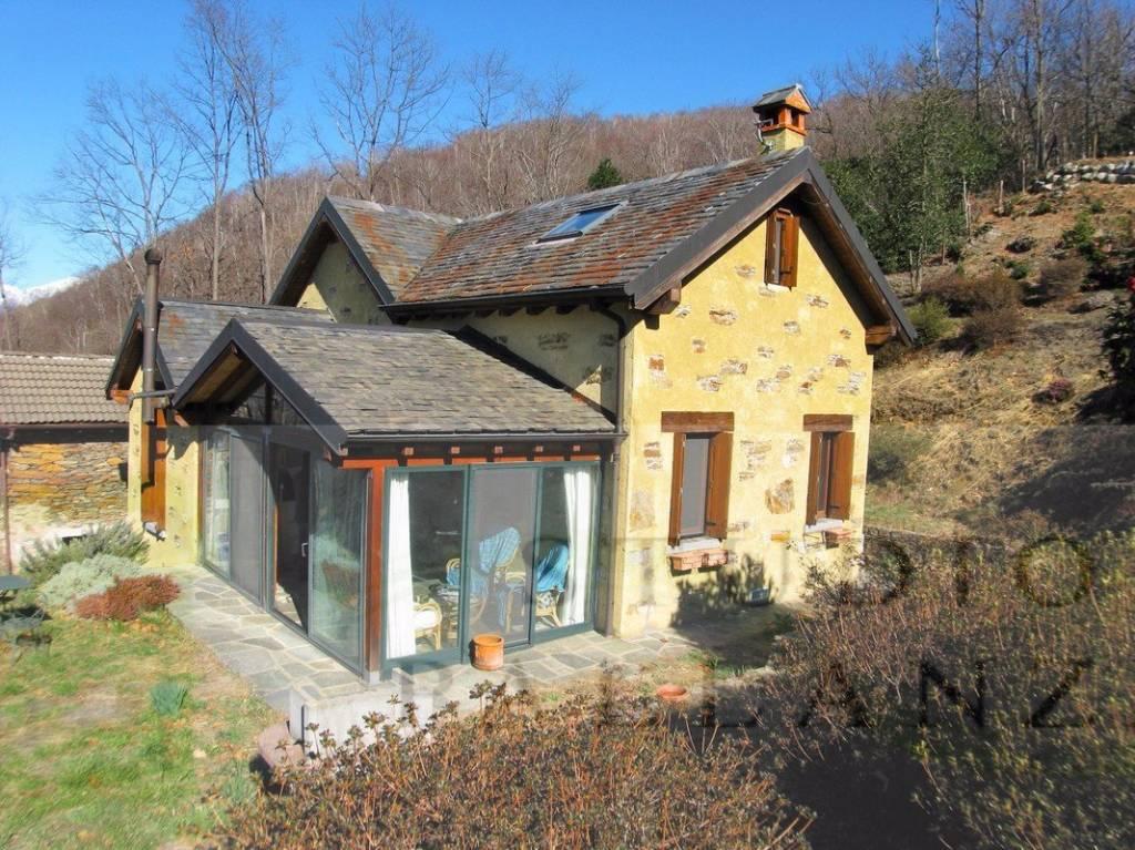 Caratteristica Casa con 11.000 mq di terreno.