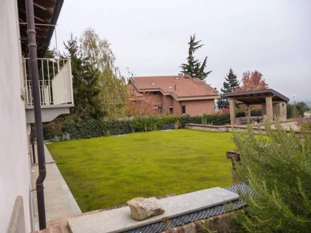 Appartamento in ottime condizioni parzialmente arredato in affitto Rif. 5080591