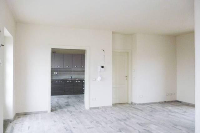 Appartamento in ottime condizioni parzialmente arredato in affitto Rif. 5080593