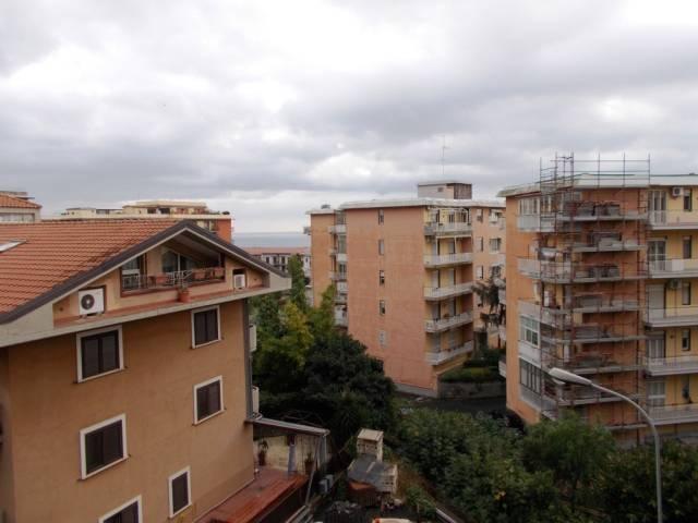Appartamento da ristrutturare in vendita Rif. 4952335