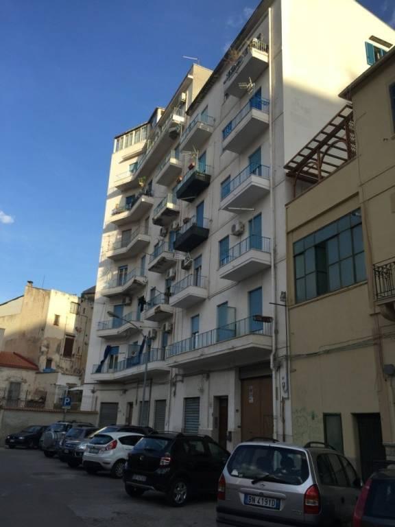 Appartamento in Vendita a Palermo Centro:  4 locali, 145 mq  - Foto 1