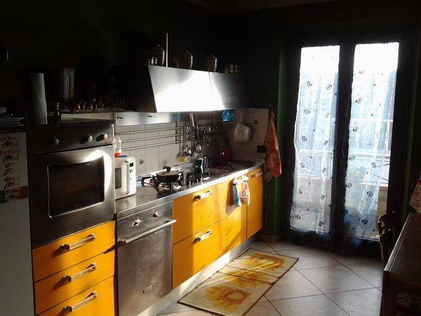 Appartamento in buone condizioni parzialmente arredato in vendita Rif. 4237478