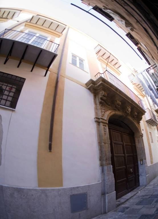 Appartamento in Vendita a Palermo Centro: 5 locali, 188 mq