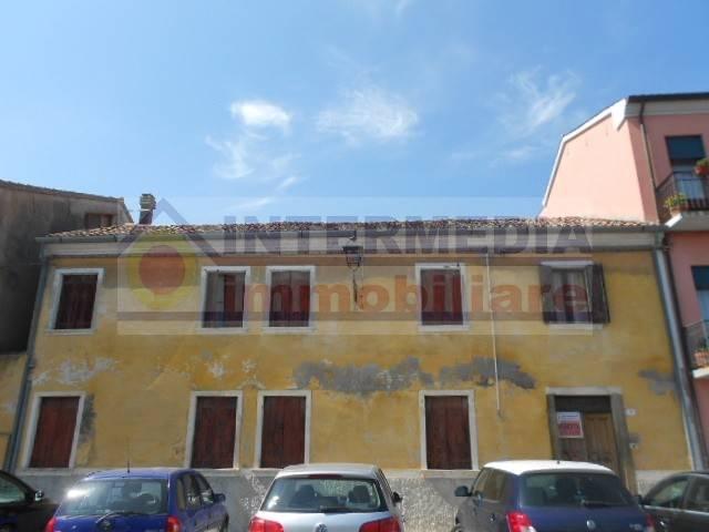 Stabile / Palazzo da ristrutturare in vendita Rif. 4316717