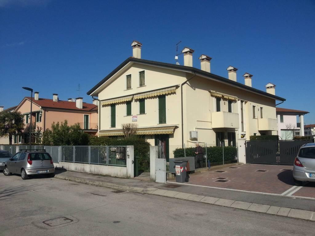 Appartamento in ottime condizioni in vendita Rif. 5015429