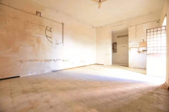 Laboratorio in Vendita a Catania Periferia: 1 locali, 40 mq