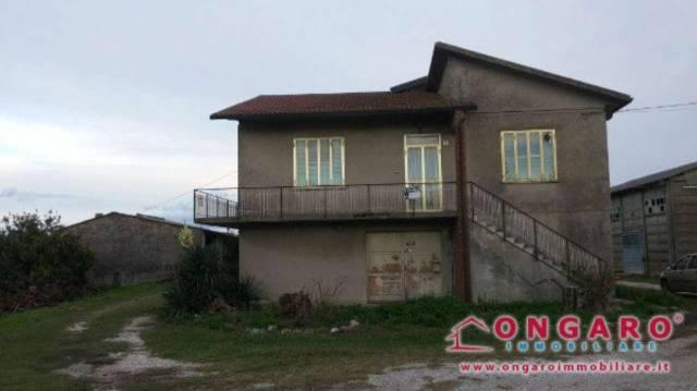 Casa Indipendente in buone condizioni in vendita Rif. 4323316