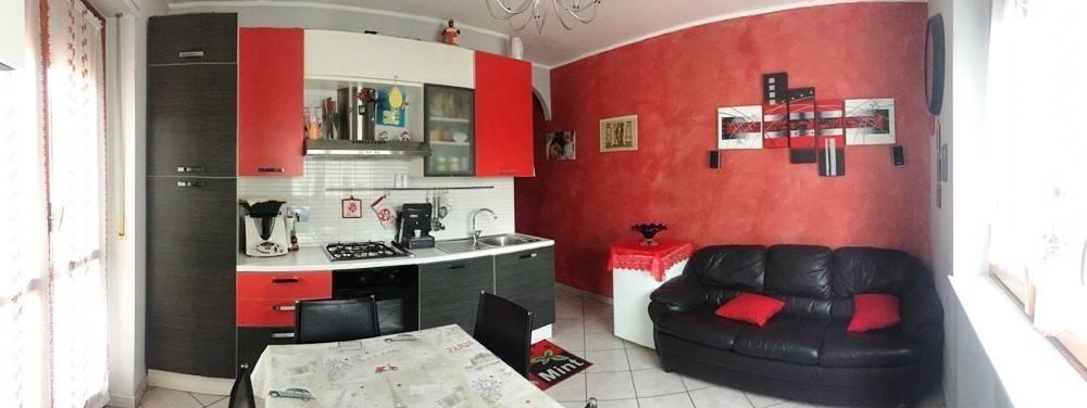 Appartamento in buone condizioni in vendita Rif. 8316735