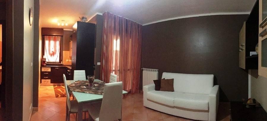 Appartamento in ottime condizioni in vendita Rif. 8316738