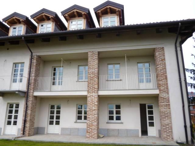 Appartamento in ottime condizioni parzialmente arredato in affitto Rif. 5080601