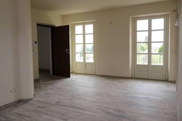Appartamento in ottime condizioni parzialmente arredato in affitto Rif. 5080603