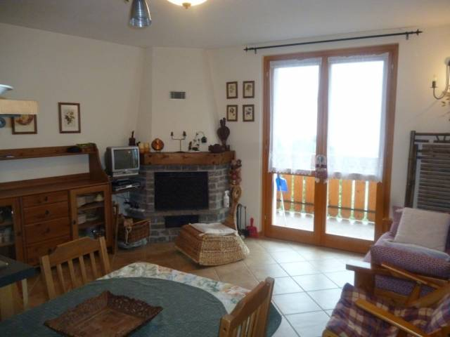Appartamento in affitto a Ponte di Legno, 3 locali, prezzo € 500 | CambioCasa.it