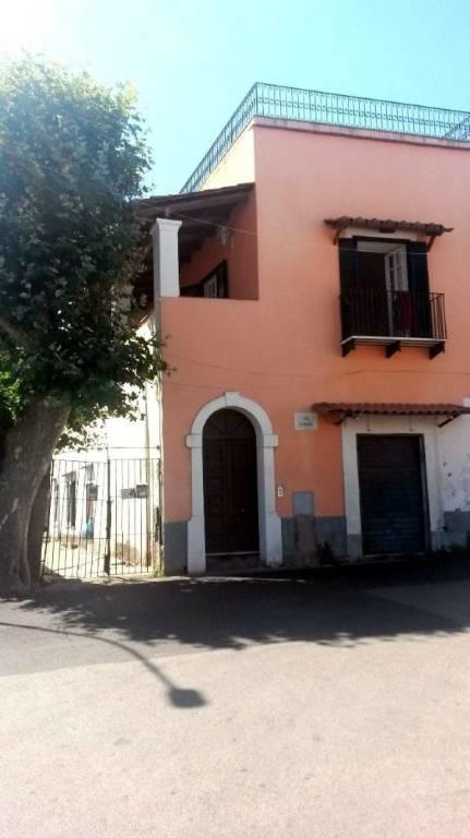Appartamento in buone condizioni in vendita Rif. 7359687