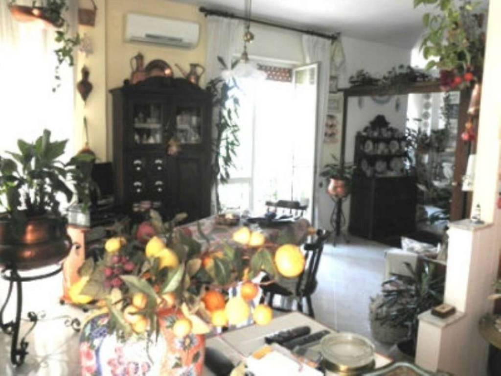 Appartamento in ottime condizioni in vendita Rif. 7359698