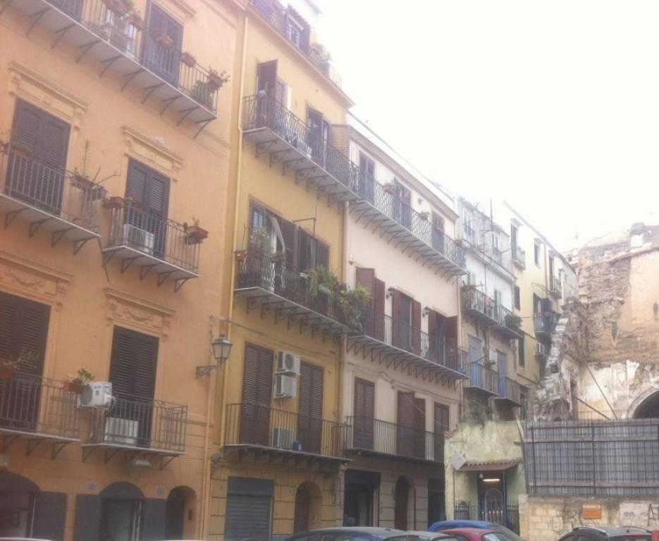 Appartamento in Vendita a Palermo Centro:  2 locali, 48 mq  - Foto 1